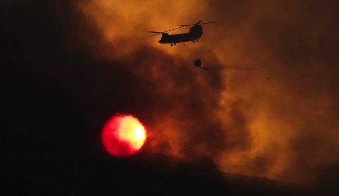 Συγκλονιστικό στιγμιότυπο από φωτιά στο Καπανδρίτι