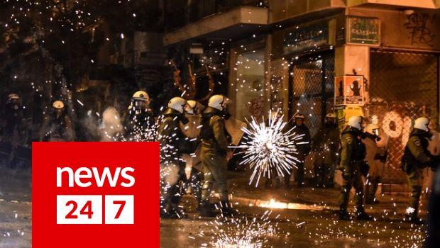 Αλέξανδρος Γρηγορόπουλος: Άγρια επεισόδια μετά την πορεία -Προσαγωγές και τραυματίες στα Εξάρχεια - Κοινωνία | News 24/7