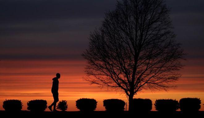 Ένας άνδρας σε πάρκο του Κάνσας Σίτι