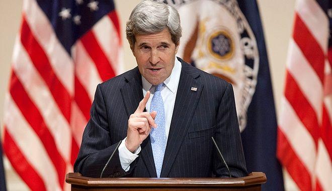 Κέρι: 'Ανάρμοστη' τυχόν αναφορά για πιθανή μεταφορά της πρεσβείας των ΗΠΑ στην Ιερουσαλήμ