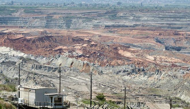 Επίσκεψη του Προέδρου της Νέας Δημοκρατίας Κυριάκου Μητσοτάκη την Τετάρτη 14 Ιουνίου 2017, στο Αμύνταιο, για να δει από κοντά το μέγεθος των καταστροφών, που προκάλεσε στην περιοχή η κατολίσθηση στο ορυχείο της Δ.Ε.Η. Ενημερώθηκε για τις συνέπειες στις τοπικές κοινωνίες, τη Δ.Ε.Η. και την ενεργειακή ευστάθεια της χώρας. (EUROKINISSI/ΓΡΑΦΕΙΟ ΤΥΠΟΥ ΝΔ/ΔΗΜΗΤΡΗΣ ΠΑΠΑΜΗΤΣΟΣ)