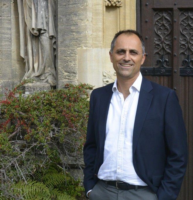 Ο Παύλος Ελευθεριάδης, καθηγητής στο πανεπιστήμιο της Οξφόρδης
