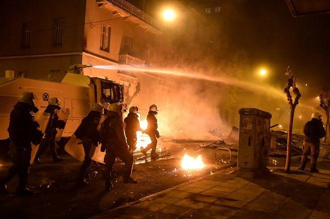 Επεισόδια στα Εξάρχεια μετά το τέλος της πορείας στην επέτειο των δέκα χρόνων από την δολοφονία του Αλέξη Γρηγορόπουλου την Πέμπτη 6 Δεκεμβρίου 2018.