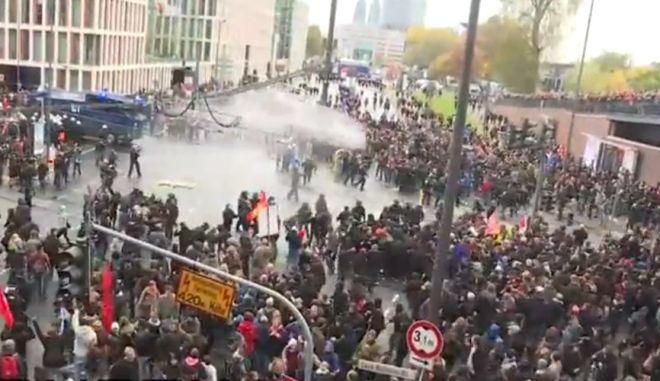 Γερμανία: Συμπλοκές σε συγκέντρωση ακροδεξιών