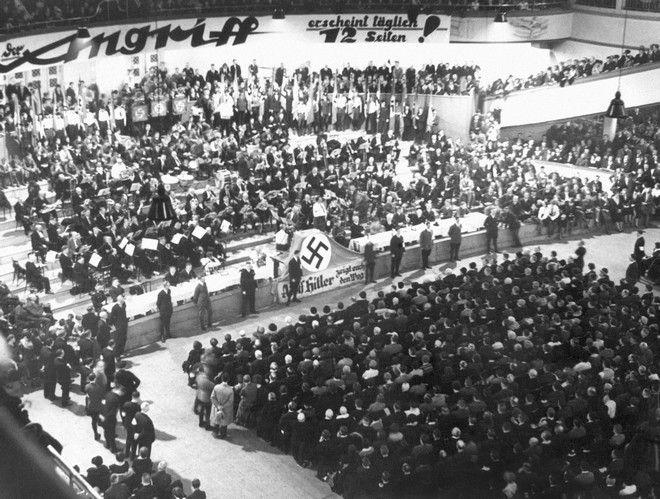 Εικόνα από συνέδριο των Εθνικοσοσιαλιστών τον Απρίλιο του 1931 στο Βερολίνο