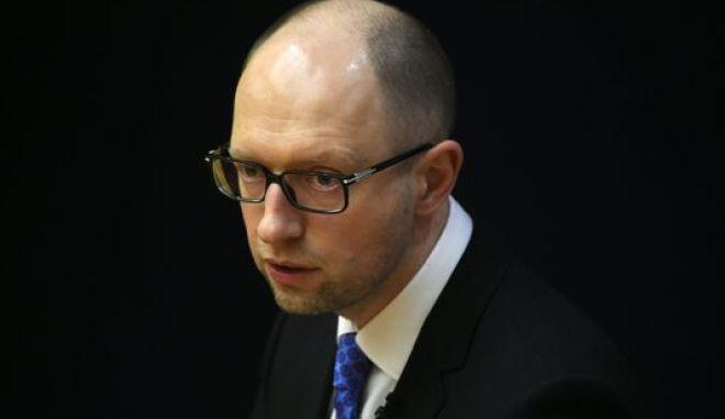 Ουκρανία: Παραιτείται ο πρωθυπουργός Γιατσενιούκ