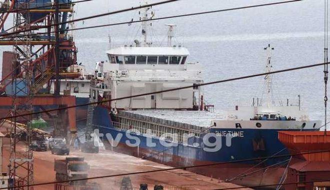 Λήξη συναγερμού για το πλοίο στη Βοιωτία: Σε παθολογικά αίτια o θάνατος του 40χρονου μάγειρα