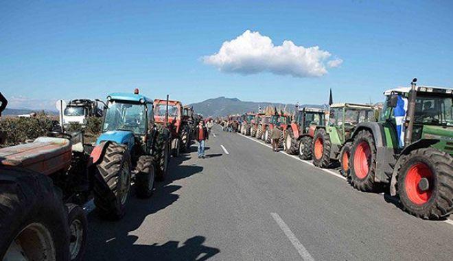 Με 24ωρους και επ' αόριστον αποκλεισμούς οι αγρότες, προκαλώντας την οργή των εργαζομένων που δηλώνουν όλα τα εισοδήματά τους