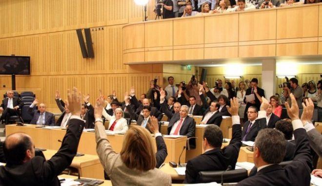 Κυπριακά μαθήματα πολιτικής ευπρέπειας