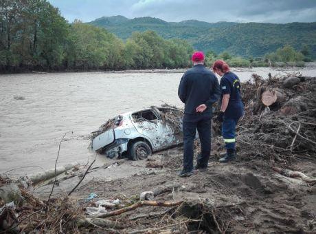 Ιανός: ''Βιβλική'' καταστροφή στην Καρδίτσα - Σε απόγνωση οι κάτοικοι -  Κοινωνία   News 24/7