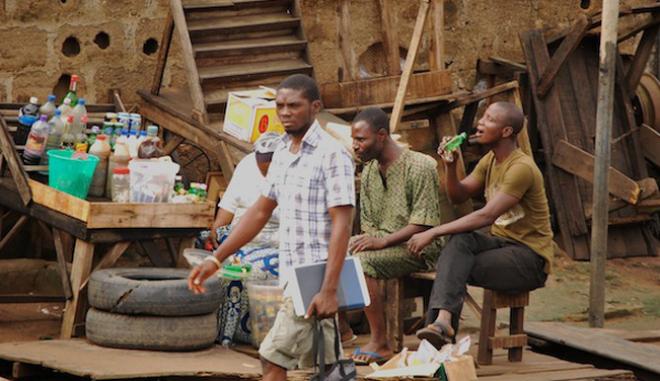 Νιγηρία: 70 νεκροί από κατανάλωση τζιν ανανεμιγμένου με τοξική μεθανόλη