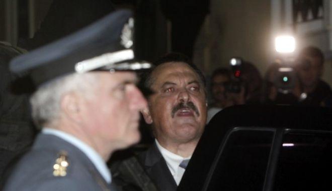 Στον ανακριτή για να απολογηθεί ο βουλευτής της Χρυσής Αυγής Χρήστος Παππας.Μετά την απολογία του κρίθηκε προφυλακιστέος,Πέμτη 3 Οκτωβρίου 2013 (EUROKINISSI/ΓΕΩΡΓΙΑ ΠΑΝΑΓΟΠΟΥΛΟΥ)
