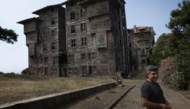 Κίνδυνος άμεσης κατάρρευσης για το ιστορικό ορφανοτροφείο στην Πρίγκηπο