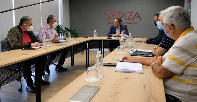 Τσίπρας στη συνάντηση με ΓΕΝΟΠ: