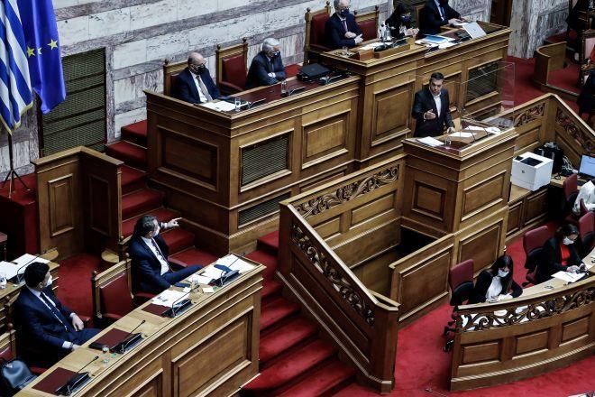 Κόντρα αρχηγών στη Βουλή για το εργασιακό νομοσχέδιο