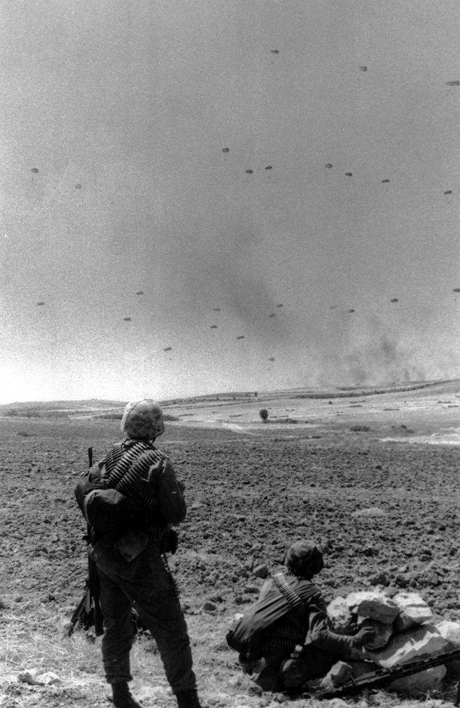 Στιγμιότυπο από την τουρκική εισβολή στην Κύπρο (20/7/1974)