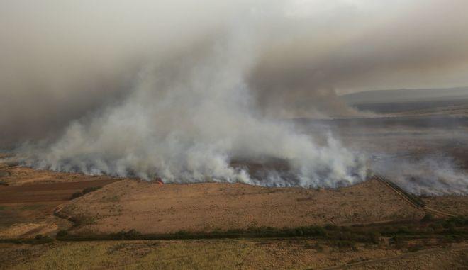 Φωτιά σε χωράφια
