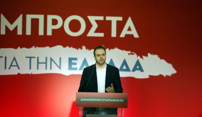 Θεοχαρόπουλος: 'Ανασυγκρότηση δεν γίνεται συγκλίνοντας με ΣΥΡΙΖΑ ή ΝΔ'