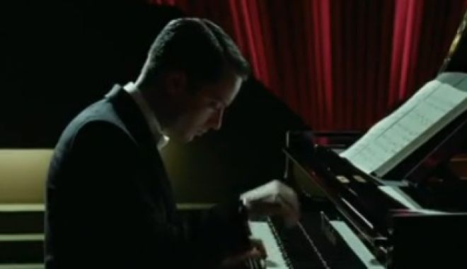 """Πρώτο τρέιλερ για το """"Grand Piano"""". Ούτε μια λάθος νότα"""