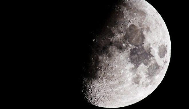 """Ο μοναδικός άνθρωπος που έχει """"ταφεί"""" στο Νότιο πόλο της Σελήνης"""