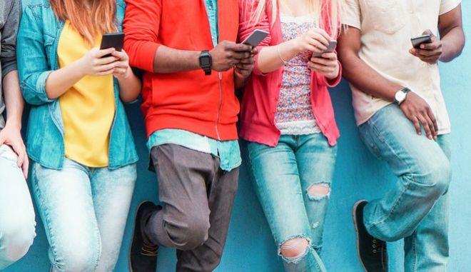 Είστε ακριβώς μέσα στο δέρμα σας ή το smartphone σας είναι κομμάτι σας;