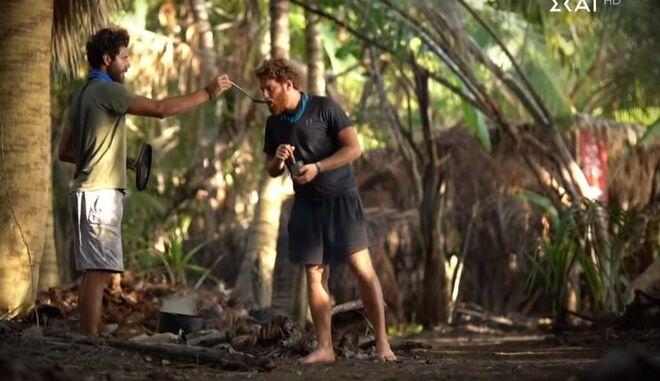 "Survivor 4 trailer - Ασημακόπουλος για Τζέιμς: ""Έχει τον Νίκο λες και είναι γκόμενά του"""
