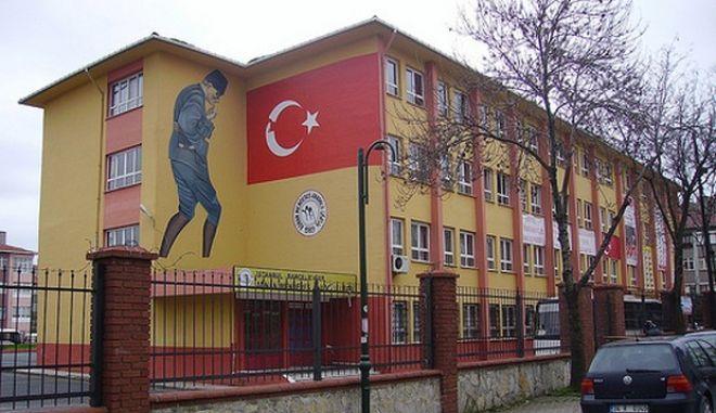 """Διάταξη από τη χούντα """"ξέθαψε"""" η κυβέρνηση Ερντογάν"""