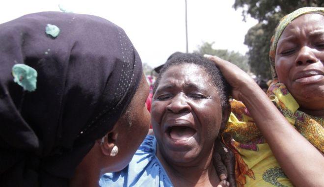Γυναίκα θρηνεί στην Τανζανία (Φωτογραφία αρχείου)