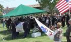 Χήρες δίγαμου γνωρίστηκαν... στην κηδεία του