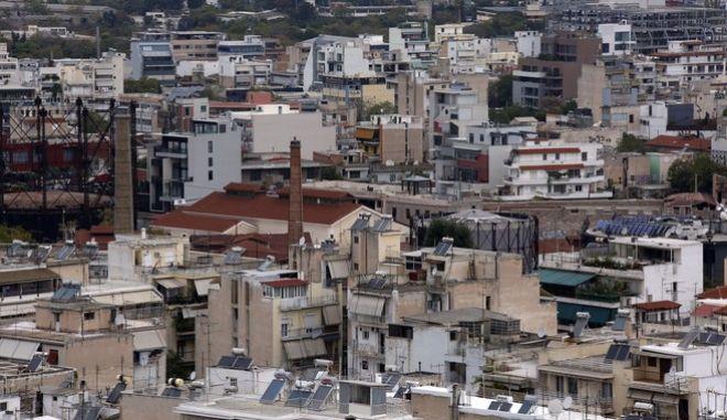 Στιγμιότυπο από την Αθήνα. (EUROKINISSI/ΣΤΕΛΙΟΣ ΜΙΣΙΝΑΣ)