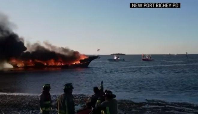 Πανικός σε πλοίο με παίκτες καζίνο - Τυλίχθηκε στις φλόγες