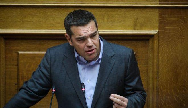 """Θεσμικό """"καμπανάκι"""" Τσίπρα για το 3ο κύμα και τα λάθη της κυβέρνησης"""