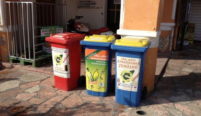 Δεκάδες τόνοι ανακυκλώσιμων υλικών από τους λιγοστούς Χαλκίτες