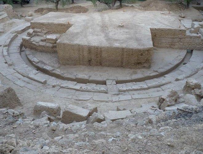 Αποκαλύφθηκε ολόκληρο το θέατρο της Αρχαίας Θουρίας