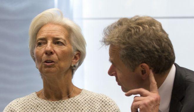 Ο Πολ Τόμσεν με την επικεφαλής του ΔΝΤ, Κριστίν Λαγκάρντ