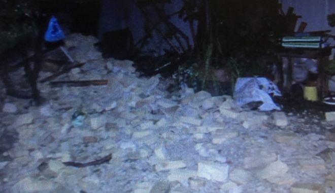 Κατέρρευσε κτίριο στην Εβραϊκή