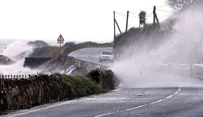 Σε κατάσταση εκτάκτου ανάγκης η Αγγλία: Δύο νεκροί από πλημμύρες