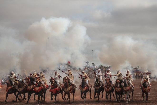 Επίδειξη ιππασίας, γνωστή και ως Fantasia στο Μαρόκο.
