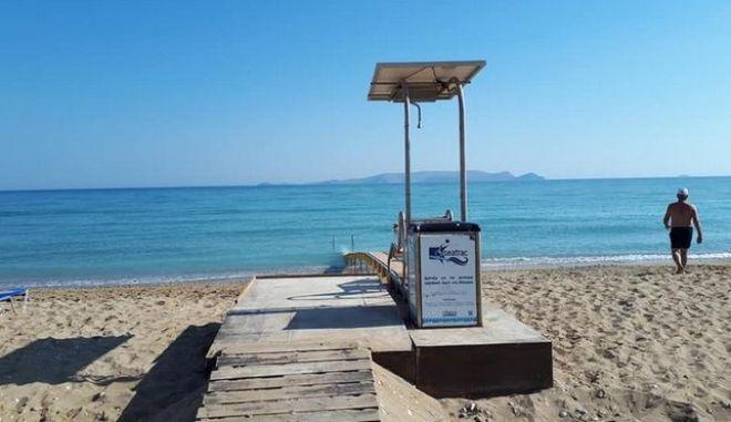 Κρήτη: Σε λειτουργία η ράμπα πρόσβασης των ΑμεΑ στην παραλία Καρτερού