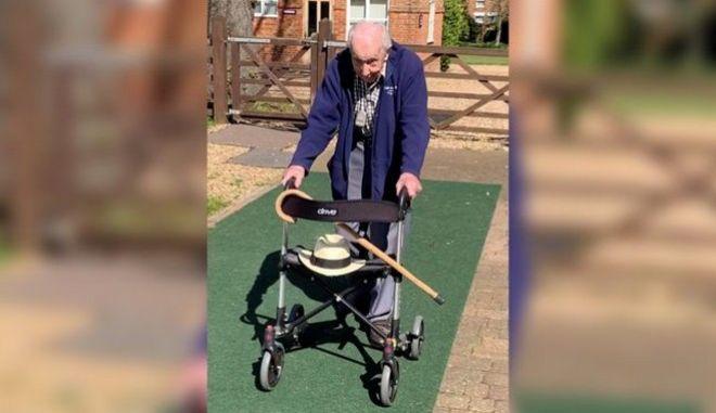 Κορονοϊός-Βρετανία: 99χρονος βετεράνος πολέμου μάζεψε 1.400.000 λίρες για το Σύστημα Υγείας