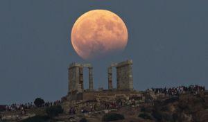 Guardian: Η Ελλάδα φλερτάρει με το Χόλυγουντ