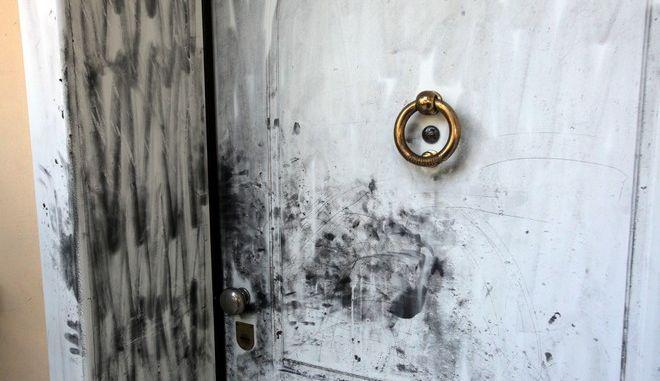 Το σπίτι στην Πεύκη όπου εισέβαλλαν τα ξημερώματα της Πέμπτης 4 Δεκεμβρίου 2014, η συμμορία με το σίδερο, και επιτέθηκαν στην οικογένεια που μένει εκεί.  (EUROKINISSI/ΚΩΣΤΑΣ ΚΑΤΩΜΕΡΗΣ)