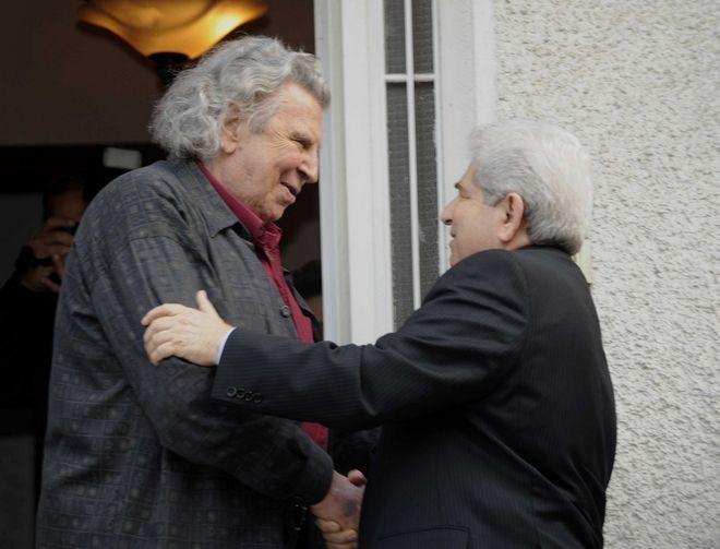 Ο Δημήτρης Χριστόφιας με τον Μίκη Θεοδωράκη το 2008