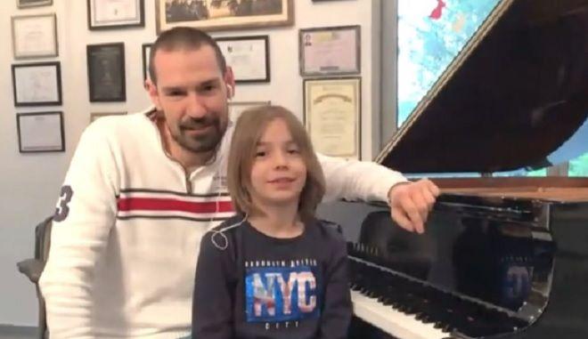 Ο Στέλιος Κερασίδης με τον πατέρα του
