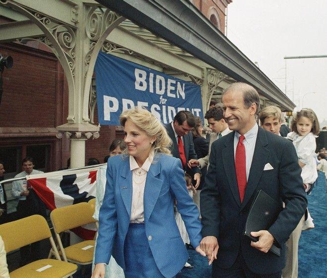 Ο Τζο Μπάιντεν τον Ιούνιο του 1987 με τη σύζυγό του μετά την ανακοίνωση ότι θα διεκδικήσει την προεδρία των ΗΠΑ