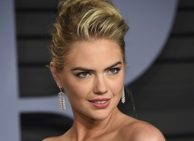 Kate Upton arrives at the Vanity Fair Oscar Party on Sunday, March 4, 2018, in Beverly Hills, Calif. (Photo by Evan Agostini/Invision/AP)