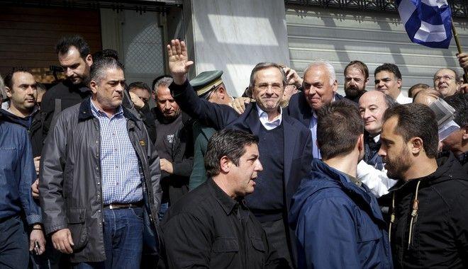 Ο πρώην πρωθυπουργός Αντωνης Σαμαράς στο συλλαλητήριο στην πλατεία Συντάγματος για την Μακεδονία, Κυριακή 4/2/2018. (EUROKINISSI/ΓΙΑΝΝΗΣ ΠΑΝΑΓΟΠΟΥΛΟΣ)