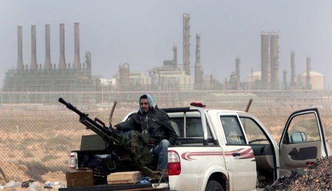 Πετρελαϊκές εγκαταστάσεις στη Λιβύη