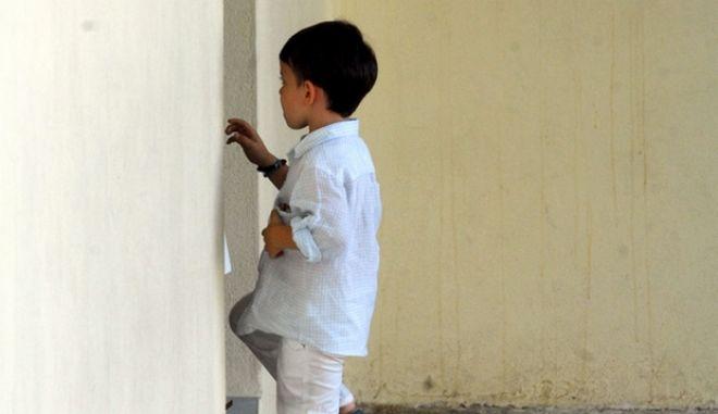 Στιγμιότυπο από τον αγιασμό για τη νέα σχολική χρονιά, στο Δημοτικό Σχολείο Μεγαλοχώριου την Τετάρτη 11 Σεπτεμβρίου 2012. (EUROKINISSI/ΘΑΝΑΣΗΣ ΚΑΛΛΙΑΡΑΣ)