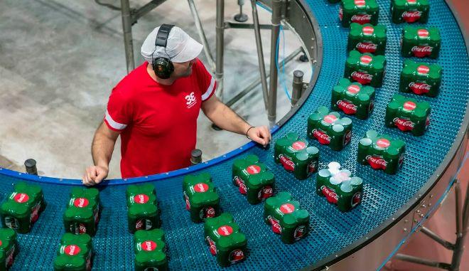 Coca Cola: Καλοκαιρία, μουντιάλ και νέα προϊόντα ανέβασαν τις πωλήσεις